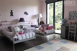 Lit Enfant Double : moquette chambre fille double lit en fer pour chambre de petite fille c0067 chambres ~ Teatrodelosmanantiales.com Idées de Décoration