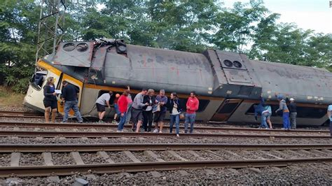 Spain Train Crash Leads To Deaths In Galicia