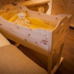 Baby Wiege Weiss : baby wiege aus zirbenholz m bel aus zirbenholz ~ Orissabook.com Haus und Dekorationen