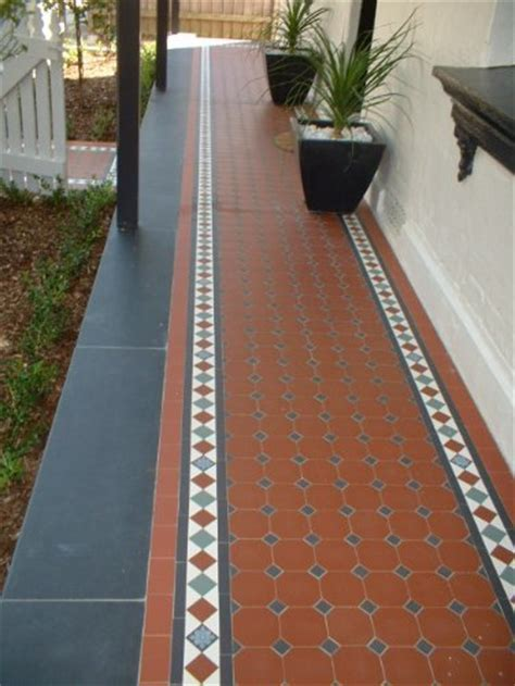 Edwardian Tiles   Red Octagon and Norwood Border with