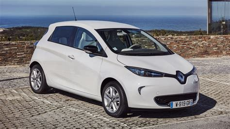 renault zoe renault zoe signature nav r90 z e 40 2017 review by car