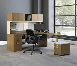 Schreibtisch Design Holz : computertisch 33 praktische und moderne modelle ~ Eleganceandgraceweddings.com Haus und Dekorationen