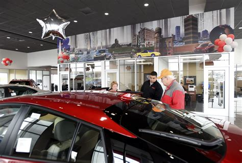 Toyota Dealership Chicago by Racine Toyota S New 6m Dealership Opens Money