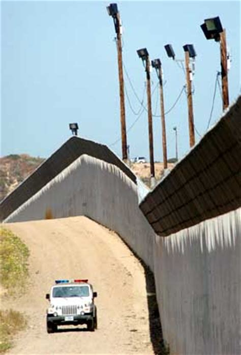 southwest border fence construction progress