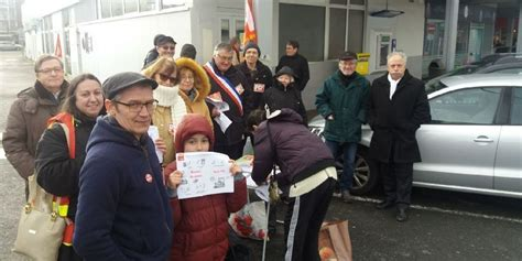 bureau de poste merignac mérignac un rassemblement contre la fermeture du bureau
