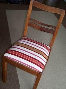 Möbel Neu Beziehen : gro mutters stuhl bezogen mit stoffrest vom vorhang upcyclingjanuary2012 pinterest ~ One.caynefoto.club Haus und Dekorationen