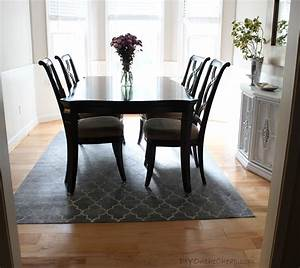 Dining room rug round table peenmediacom for Dining room rug round table