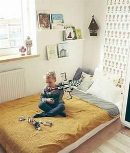 Lit Au Sol : lit au sol enfant dormir par terre sans matelas vasp ~ Teatrodelosmanantiales.com Idées de Décoration