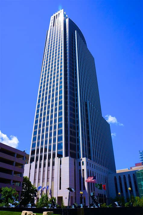 First national of nebraska is a privately held, interstate bank holding company based in omaha, nebraska, united states. First National Bank Tower - Wikipedia