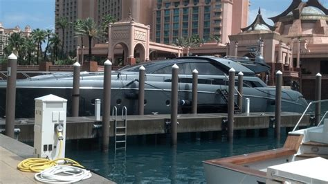 Riva Yacht In Kenny Chesney Video by Kenny Chesney S Yacht Is Featured In His New Music Video