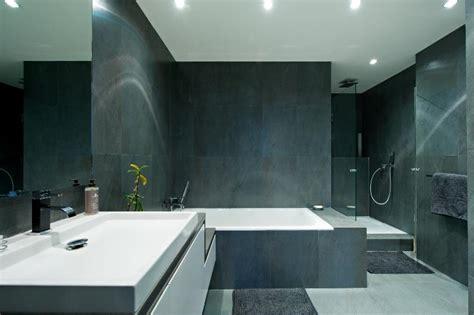 salle de bain carrelage ardoise salle de bain idealbagni en ardoise et blanc cr 233 233 par l architecte d int 233 rieur s 233 verine kalensky