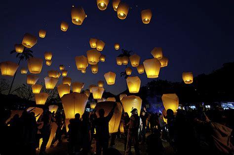 lancer de lanterne mariage un 233 v 232 nement skylantern au 13h de tf1 skylantern le enchanteur