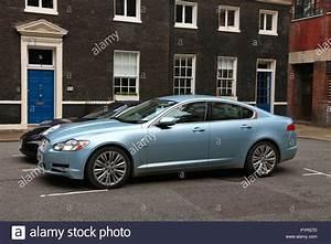 Land Rover Jaguar : jaguar land rover stock photos jaguar land rover stock images alamy ~ Medecine-chirurgie-esthetiques.com Avis de Voitures