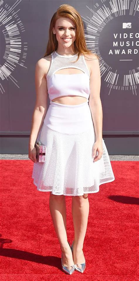 holland roden white dress the best looks from the mtv video music awards instyle