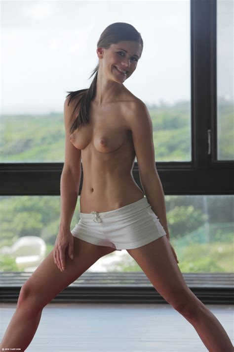 Yoga Cutie Caprice By Xart Photos Erotic Beauties