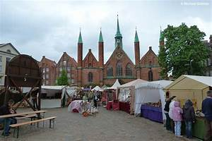 M Markt De Lübeck : historischer markt vor dem heilig geist spital in l beck mai 2011 staedte ~ Eleganceandgraceweddings.com Haus und Dekorationen