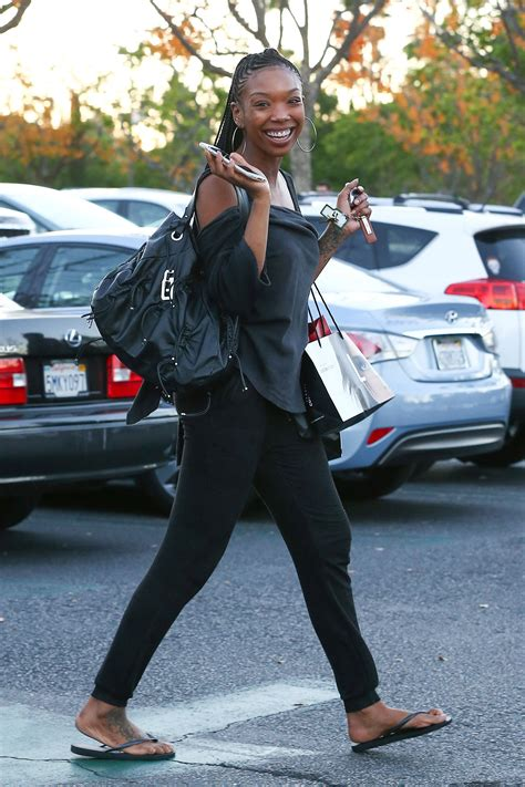 brandy norwood  shopping  los angeles hawtcelebs
