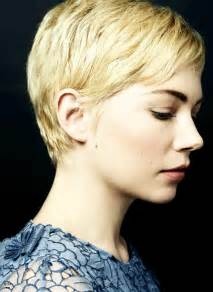 Michelle Williams Has A Beautiful Profile. Her Pixie Hair Cut Really