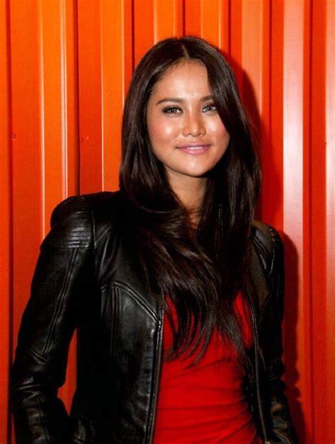 Model Seksi Indonesia Laras Monca Foto Foto Hot Hot