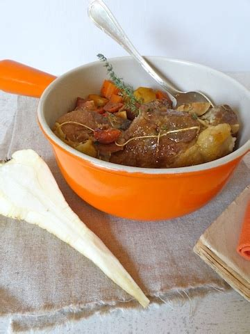 plats cuisin駸 sans gluten rouelle de porc brais 233 e aux carottes et panais une