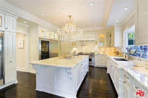 center kitchen island want to see the house zoe saldana bought in beverly