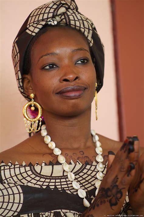 Beautiful Woman Guinea Guinea Milf Porno Red
