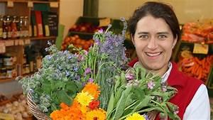 Welche Blumen Kann Man Essen : essbare blumen f r salate und als deko gastro ~ Watch28wear.com Haus und Dekorationen