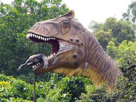 le de chevet dinosaure le dinosaure qui mange un dinosaure