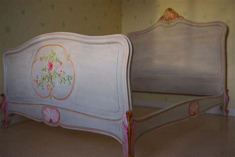 chaises de cuisine lit ancien relooké lasuré et peint à la