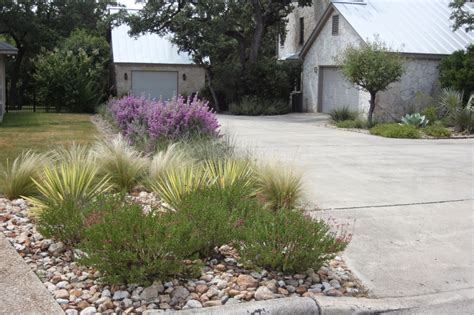 driveway landscaping doit yourself landscaping ideas for end of driveway