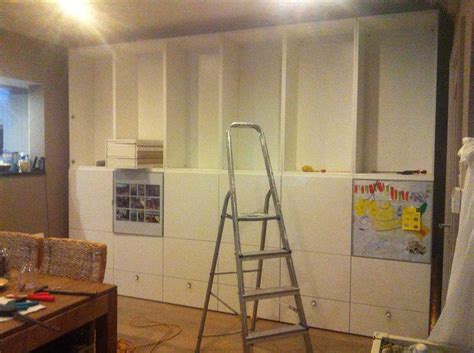 mur de rangement ikea meuble with mur de rangement ikea comment dcorer le mur avec une