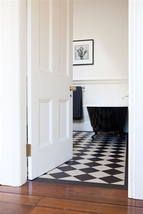 Classic Bathroom Floor Tile by Bathroom Floor Tiles And Door Fiona Bathroom Bathroom