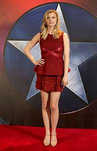 Emily VanCamp - | Celebrities fashion/ style and red ...