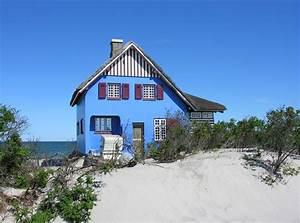 Haus Am Strand Kaufen : das blaue haus auf der landzung graswarder in heiligenhafen foto bild urlaub beach sand ~ Orissabook.com Haus und Dekorationen