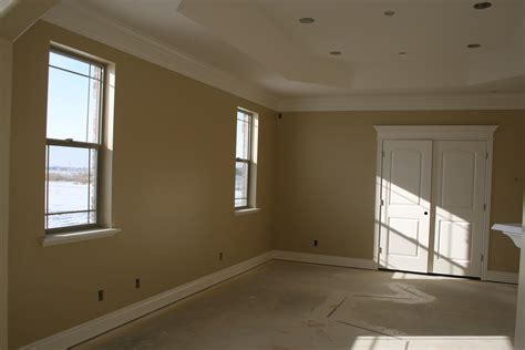 what paint colors make rooms look bigger how to living