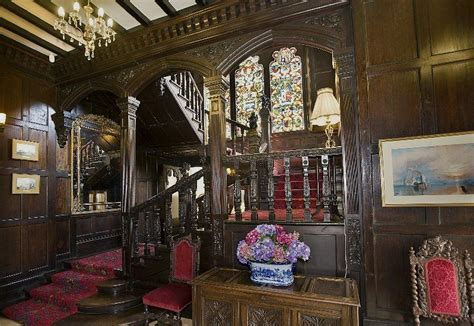 Home Interior Old Man And Woman : Old World, Gothic, And Victorian Interior Design