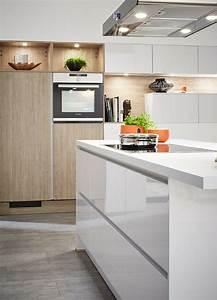 Küche Weiß Hochglanz : hochglanzk chen 5 ideen und inspirierende bilder mit ~ Watch28wear.com Haus und Dekorationen