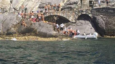 Capitaneria Di Porto Genova Ufficio Collocamento Infarto Sulla Spiaggia Dell Arenella Turista Salvato Da