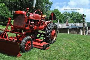 1952 International Farmall Cub Vintage Tractor