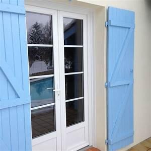 Porte Fenetre Bois 2 Vantaux : installation par delmas diffusion d 39 une porte fen tre 2 vantaux en pvc blanc petits bois ~ Dode.kayakingforconservation.com Idées de Décoration