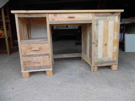 bureau en palette de bois chambre rustique decoration