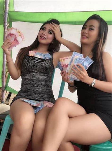 Video Hot Goyang Vulgar Penyanyi Dangdut Koplo Susu Toge