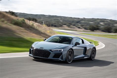 2019 audi r8 performance review gtspirit
