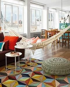 Bunter teppich 42 fantastische modelle archzinenet for Balkon teppich mit tapeten englischer stil