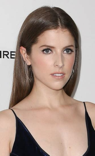 hairstyles anna kendrick long straight hairstyle