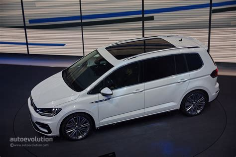 volkswagen r line 2016 volkswagen touran r line package launched in germany