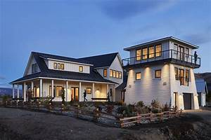 Modern Farmhouse Style Vacation Home With Additional