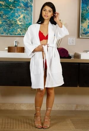 Beautiful Brazilian Female Gina Valentina Reveals Her Phat