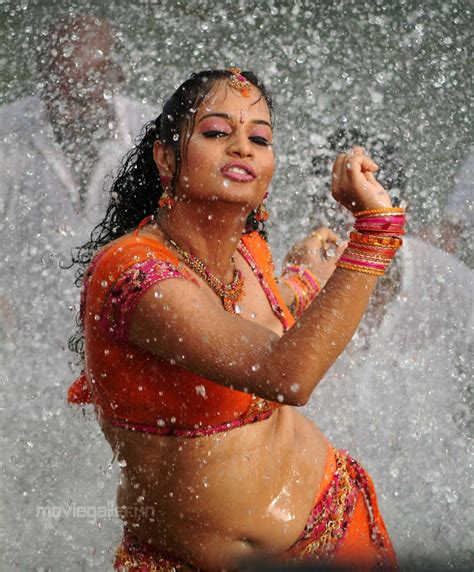 kanaka pictures full movie suja photogallery masala actress suja wet hot saree