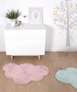 Tapis Chambre Bébé : tapis chambre b b nuage rose clair lilipinso ~ Teatrodelosmanantiales.com Idées de Décoration